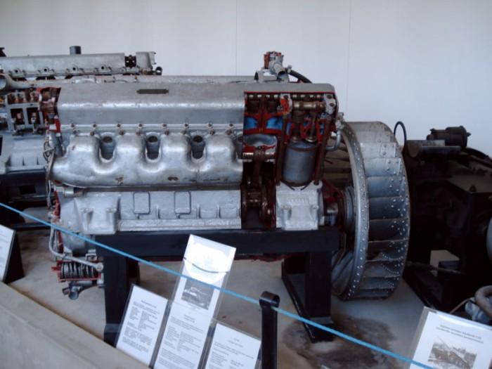Двигатель В-2-34