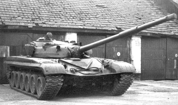 Т-72 первых выпусков. Парк КВТИУ, 1977 г.